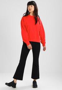 Weekday - HUGE CROPPED - Sweatshirt - red - 1