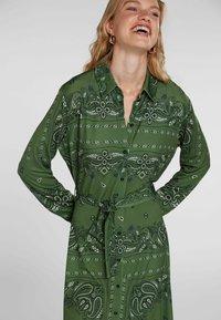 Oui - Shirt dress - green grey - 4