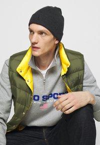 Polo Ralph Lauren - DENVER VEST - Waistcoat - dark sage/slicker yellow - 4