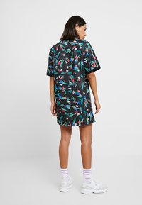 adidas Originals - TEE DRESS - Žerzejové šaty - multicolor