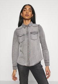 Vero Moda - VMMARIA SHIRT - Button-down blouse - black - 0