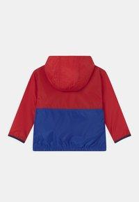 Polo Ralph Lauren - OUTERWEAR - Vodotěsná bunda - red/sapphire star - 1