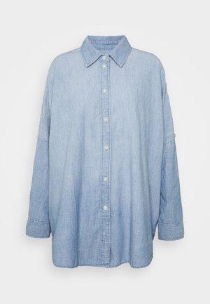 CORE OVERSIZED TAB SHIRT  - Button-down blouse - chambray blue