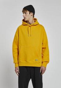 PULL&BEAR - Huppari - light yellow - 2