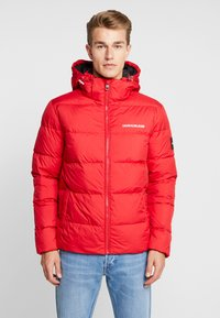 Calvin Klein Jeans - HOODED PUFFER - Down jacket - racing red - 0
