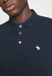 Abercrombie & Fitch - CROSS CHEST TECH 3 PACK - Piké - blue heather/bering sea/navy - 5