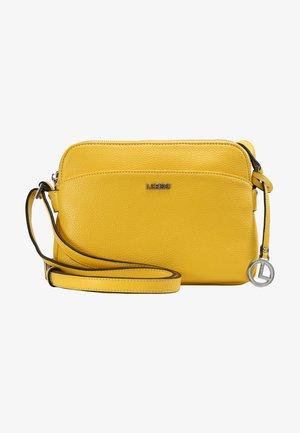 FABIENNE - Across body bag - lemon