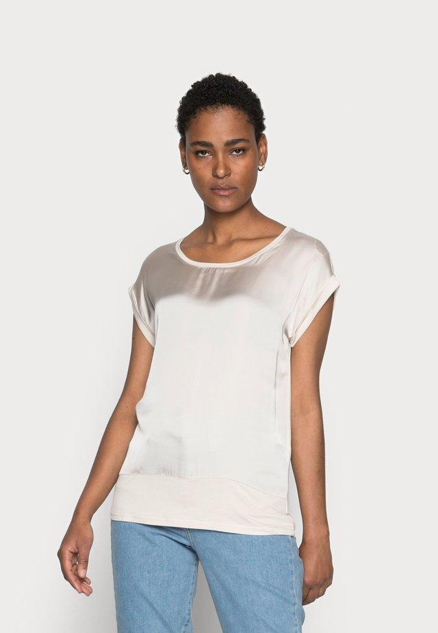 THILDE - Basic T-shirt - sand