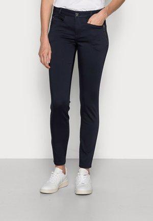 CODY ZIP PANT - Trousers - salute navy