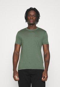 Calvin Klein Jeans - SLIM TEE 3 PACK - Jednoduché triko - olive/black/grey - 1