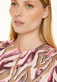 comma - Blouse - pink zebra lines - 3
