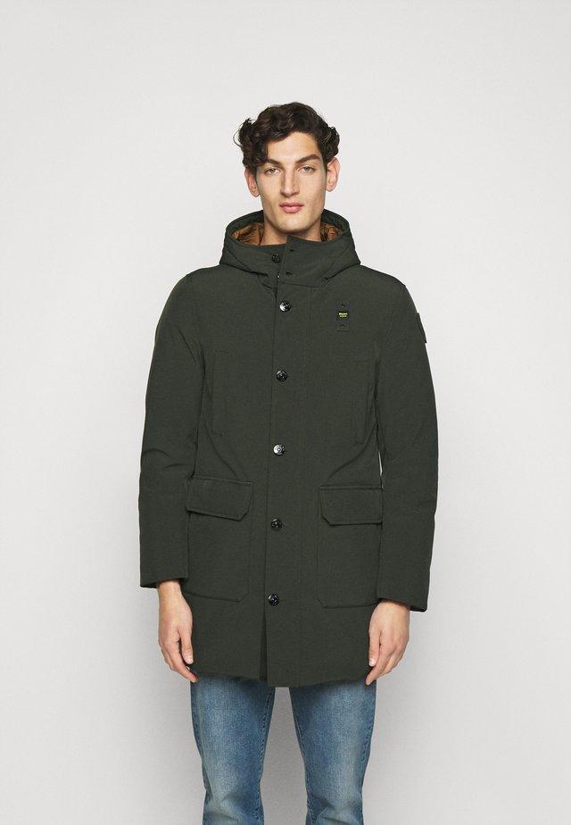 Abrigo de plumas - oliv