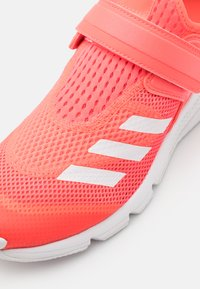 adidas Performance - ACTIVEFLEX SUMMER RDY UNISEX - Sports shoes - signal pink/footwear white - 5