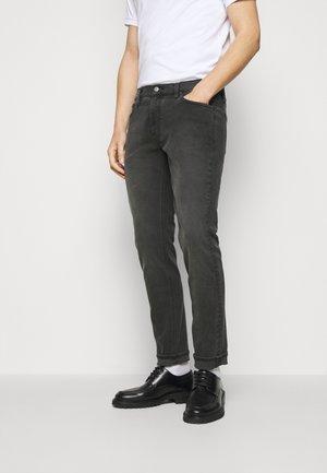 MENS PARKER - Slim fit jeans - washed black