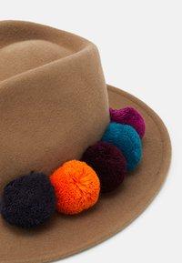 Paul Smith - HAT POM - Hat - camel - 3