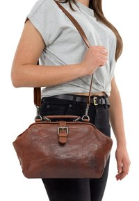 Gusti Leder - dark brown - Käsilaukku - honey brown - 0