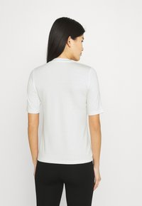 Stylein - CHAMBERS - Jednoduché triko - white - 2