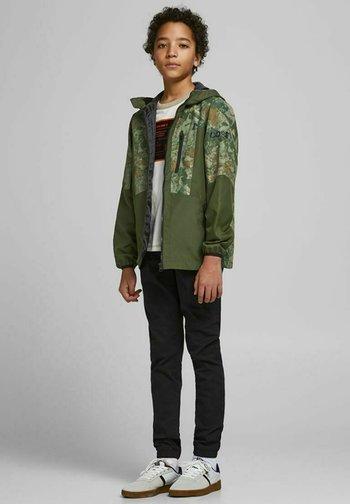 JCOCARSON - Light jacket - rifle green