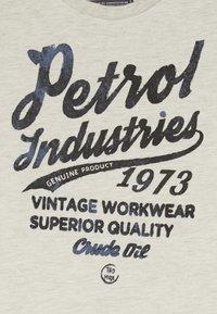 Petrol Industries - Langærmede T-shirts - antique white melee - 3
