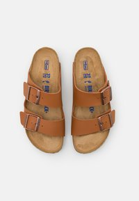 Birkenstock - ARIZONA SOFT FOOTBED UNISEX - Chaussons - ginger brown - 3