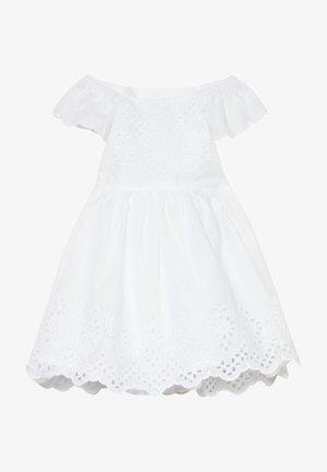 EYELET DRESS - Denní šaty - optic white