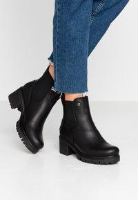 Panama Jack - PIA - Kotníkové boty na platformě - black - 0