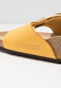 Birkenstock - MADRID BIG BUCKLE - Hausschuh - ochre - 2
