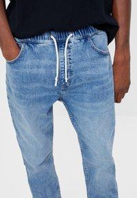 Bershka - Jeans fuselé - blue denim - 3