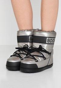 Bogner - TROIS VALLEES  - Zimní obuv - silver/black - 0