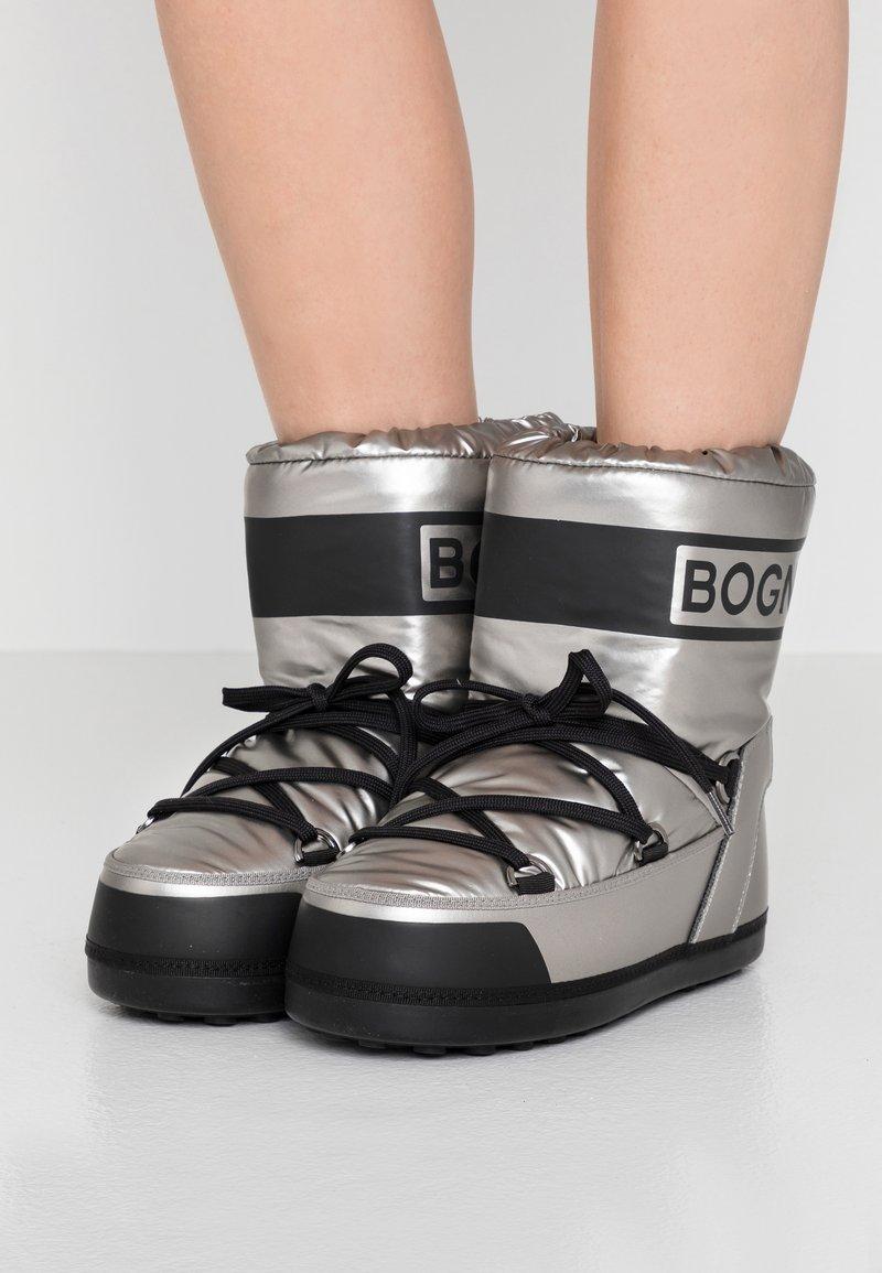 Bogner - TROIS VALLEES  - Zimní obuv - silver/black