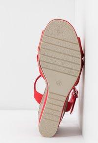 H.I.S - Sandály na vysokém podpatku - red - 6