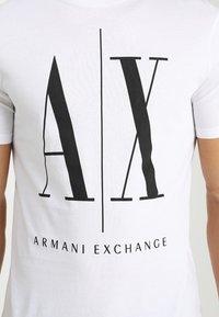 Armani Exchange - T-shirt med print - white - 5