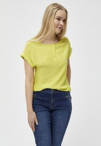 PEPPERCORN - FENG  - Blouse - safety yellow - 0