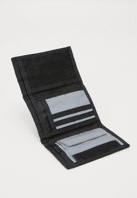 Carhartt WIP - FLECT WALLET - Peněženka - reflective grey - 2