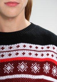 Urban Classics - CHRISTMAS CREWNECK - Trui - red/white/black - 3