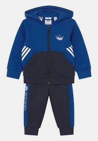 adidas Originals - HOODIE SET UNISEX - Tuta - royblu/legink - 0