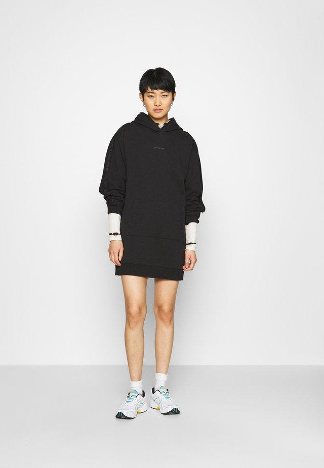 LOGO TRIM HOODIE DRESS - Korte jurk - black