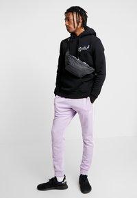 YOURTURN - Bum bag - white/black - 1