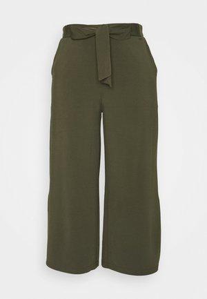 MALLI PANTS - Pantalones - grape leaf