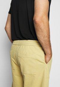 Jack´s Sportswear - DRAWSTRING - Shorts - sand - 3