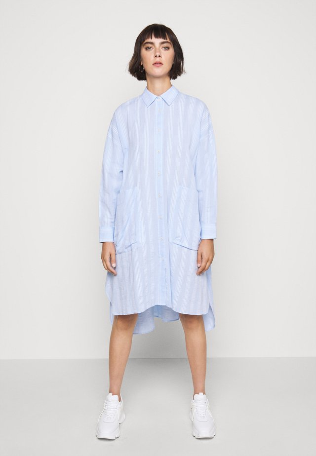 FRIENDSHIP SHIRTDRESS - Robe chemise - light blue