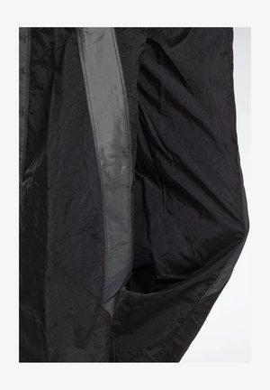 STUDIO WOVEN PANTS - Tracksuit bottoms - black