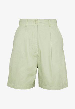 NIMMI SHORTS - Shorts - green