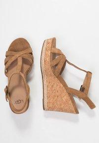 UGG - MELISSA - Sandalen met hoge hak - chestnut - 3