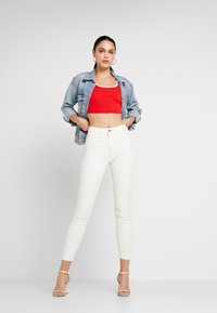River Island - MOLLY - Jeans Skinny Fit - white coated - 1