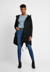 American Eagle - CURVY HI RISE - Jeans Skinny Fit - fresh bright - 1