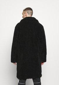 Topman - TEDDY COAT - Classic coat - black - 2