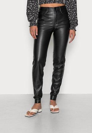 NMCALLIE ANDY PANTS - Kalhoty - black