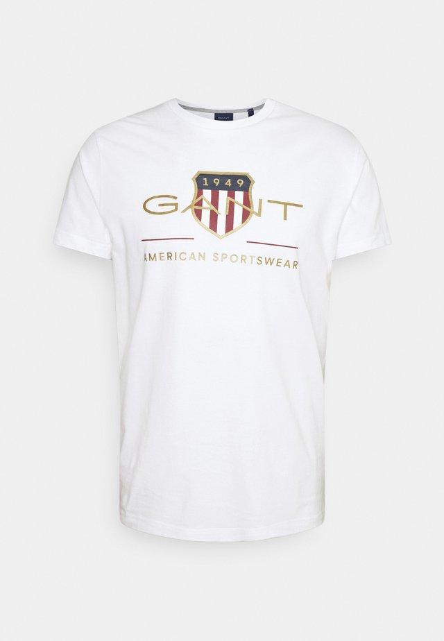 ARCHIVE SHIELD - T-shirt imprimé - white