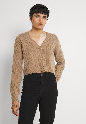 EASY CROP CARDI - Cardigan - light brown